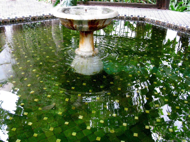 Patio con fuente andalusí