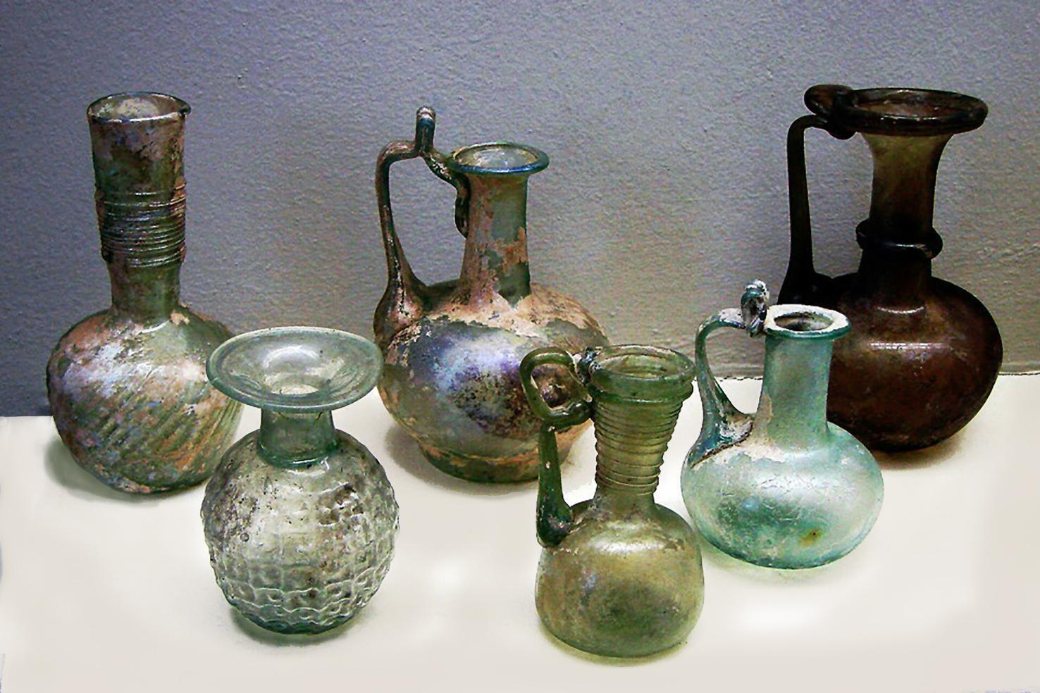 Jarras de vidrio romanas