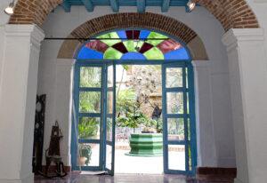 Galería de los Oficios Nelson Dopmínguez. La Habana Vieja